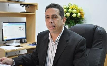 Resultado de imagen para Periodista Diego Pesqueira, preside reunión asuntos escolares
